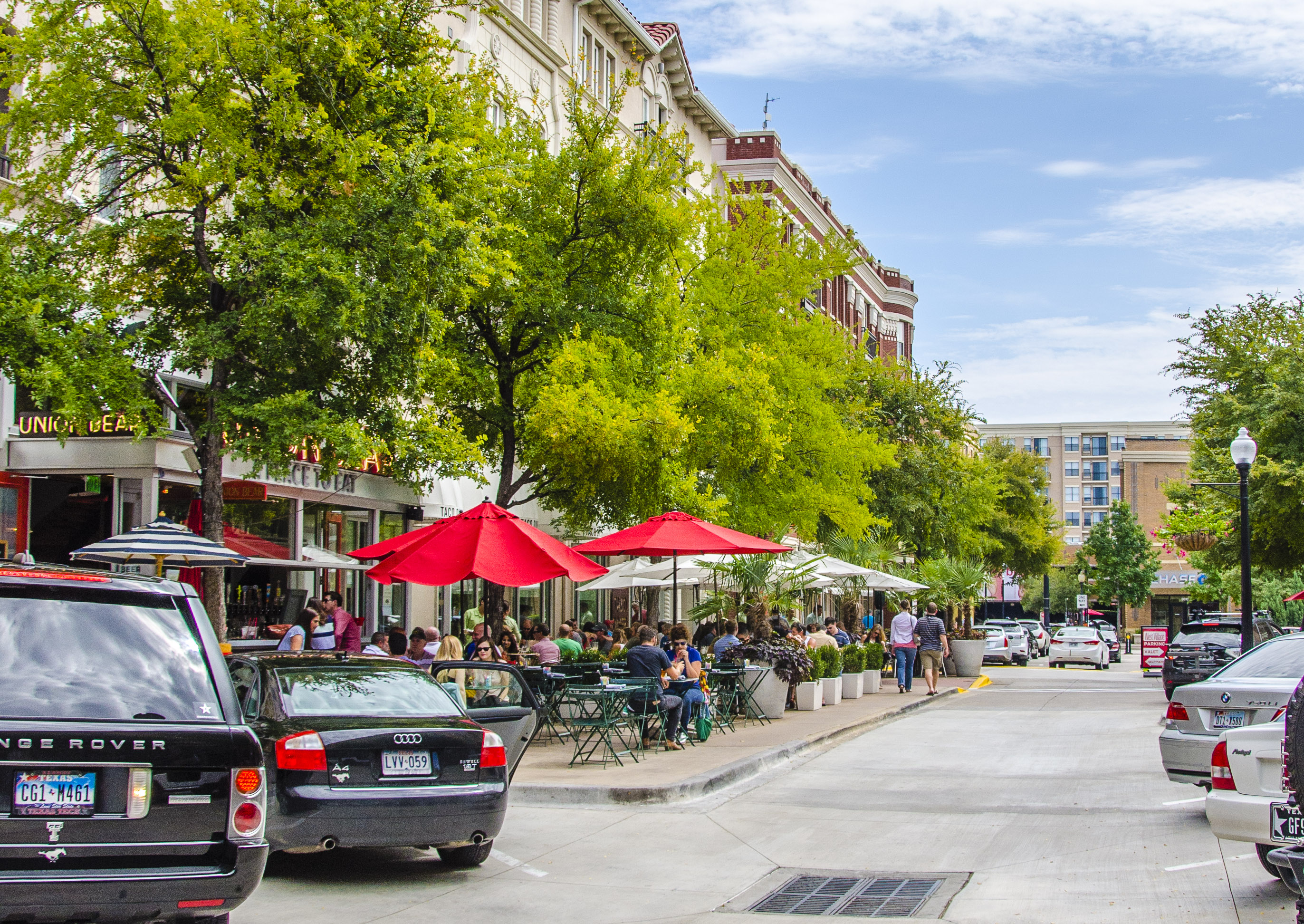 Uptown Dallas Explained In Minutes - Apartments in west village dallas