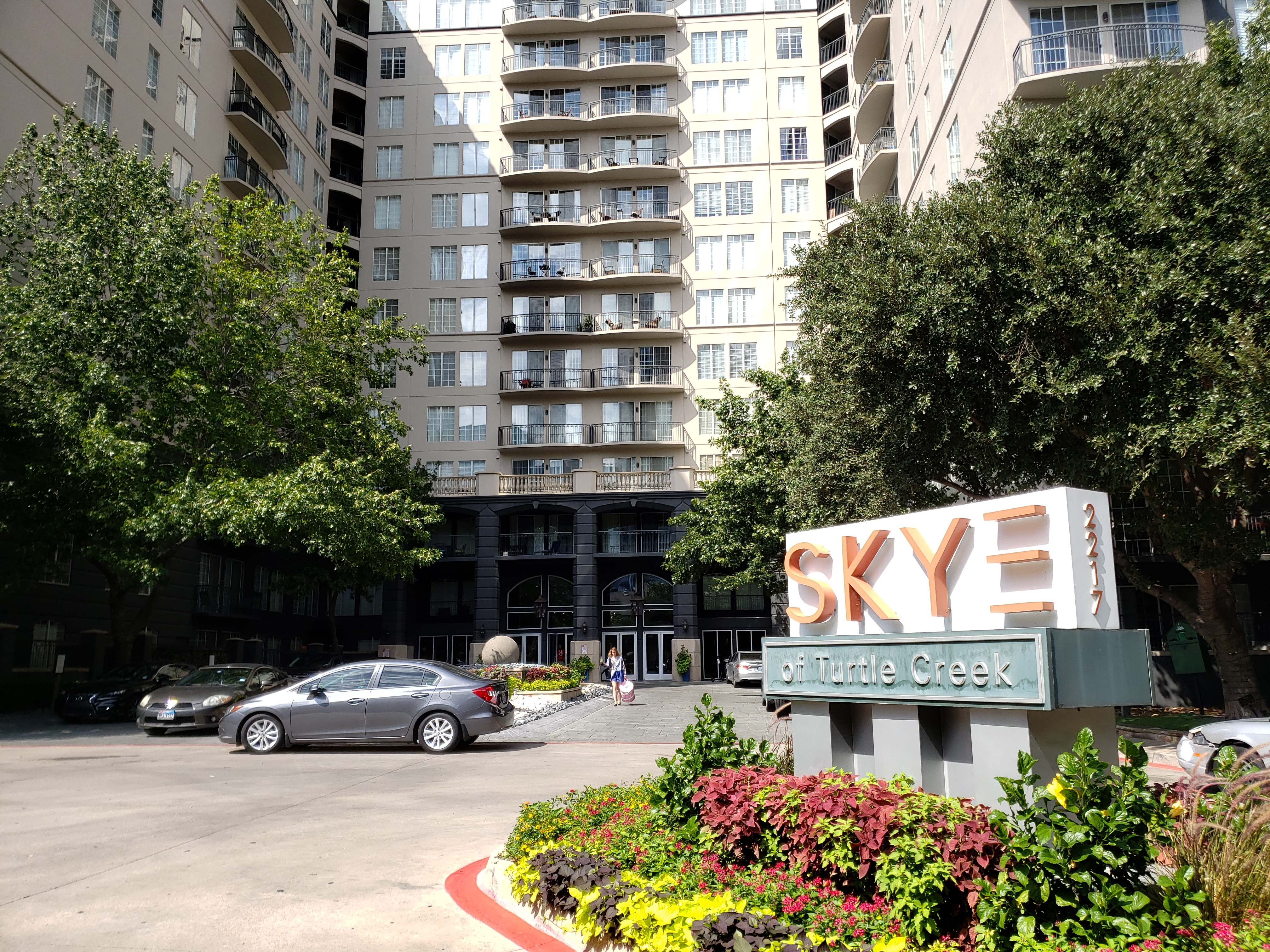 Skye of Turtle Creek - Uptown Dallas Apartments